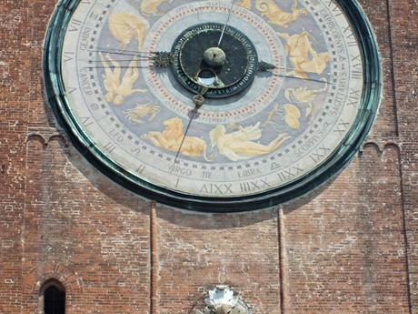 Torrazzo (Cremona) astronomical clock