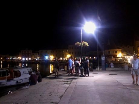 Stari Grad, harbor